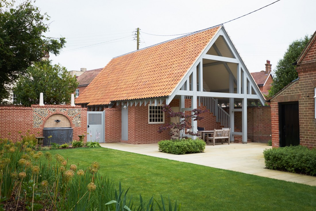 Garage accommodation and landscaping in southwold for Garage with accommodation
